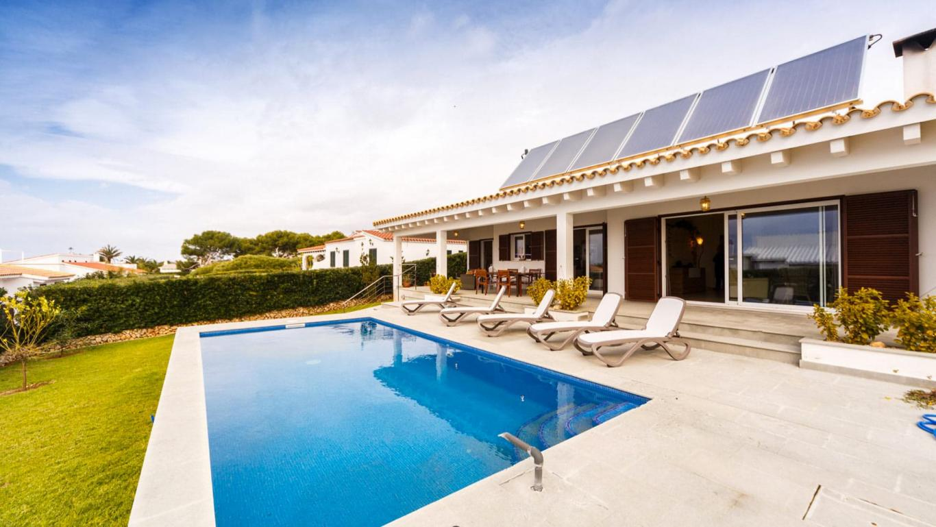 Holiday villa rental in Menorca - Villa Solkeda