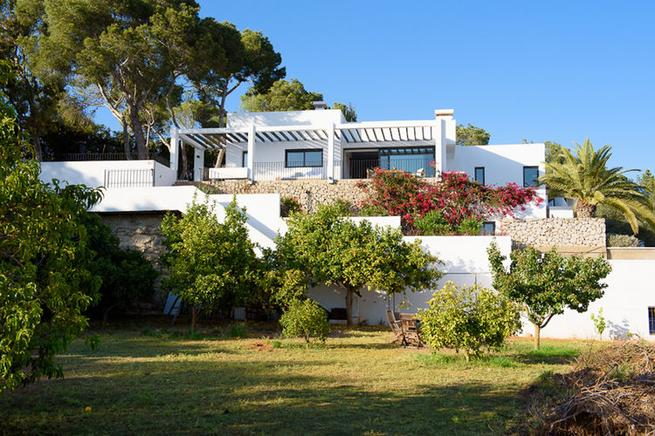 Modern villa in Ses Torres, near the beach of Talamanca
