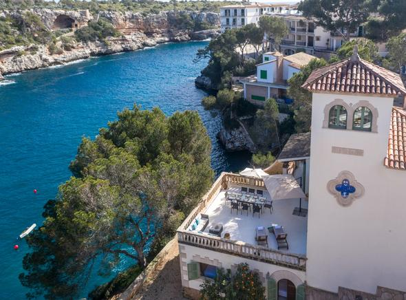 Seafront villa for rent in Cala Figuera, Santanyi