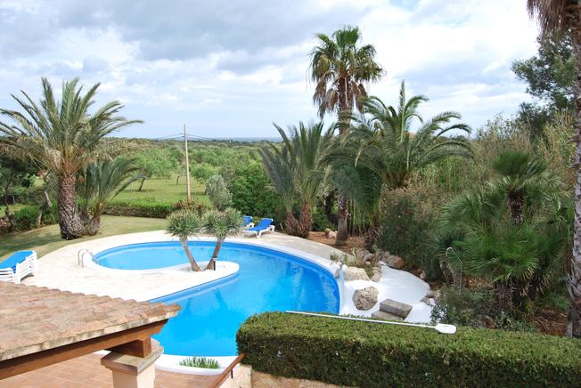 Spacious villa with tower near the beaches of Cala Mitjana, Cala dOr