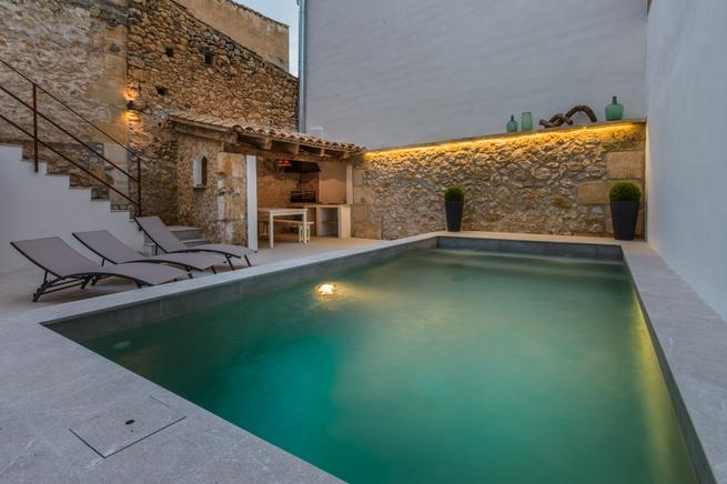 Town house for rent in Pollensa Old Town, Spain