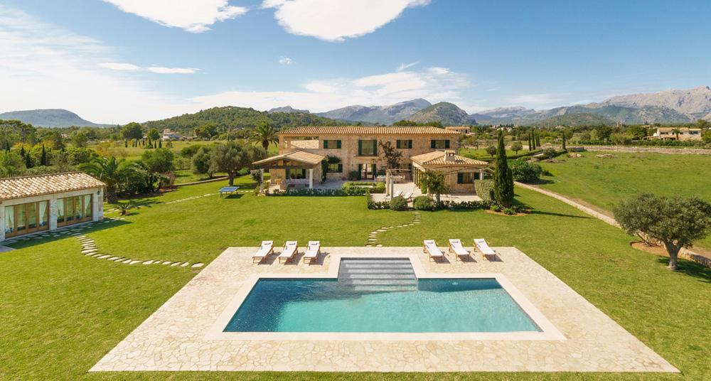 Villa Adelina - Romantic & luxury finca rentals in Pollensa, Spain