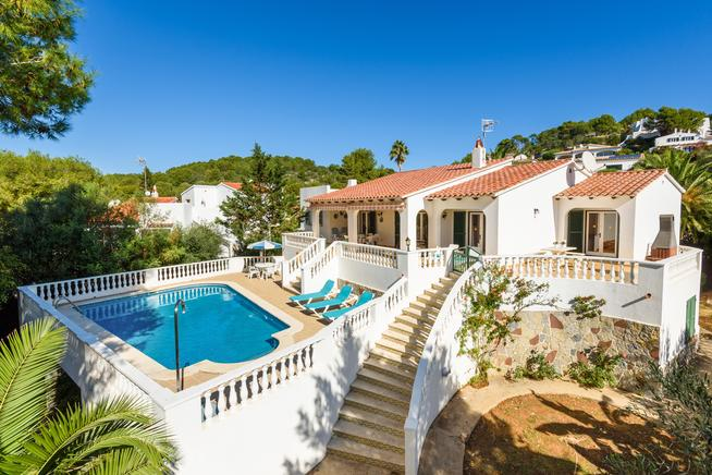 Villa close to the ideal beach holiday in Menorca