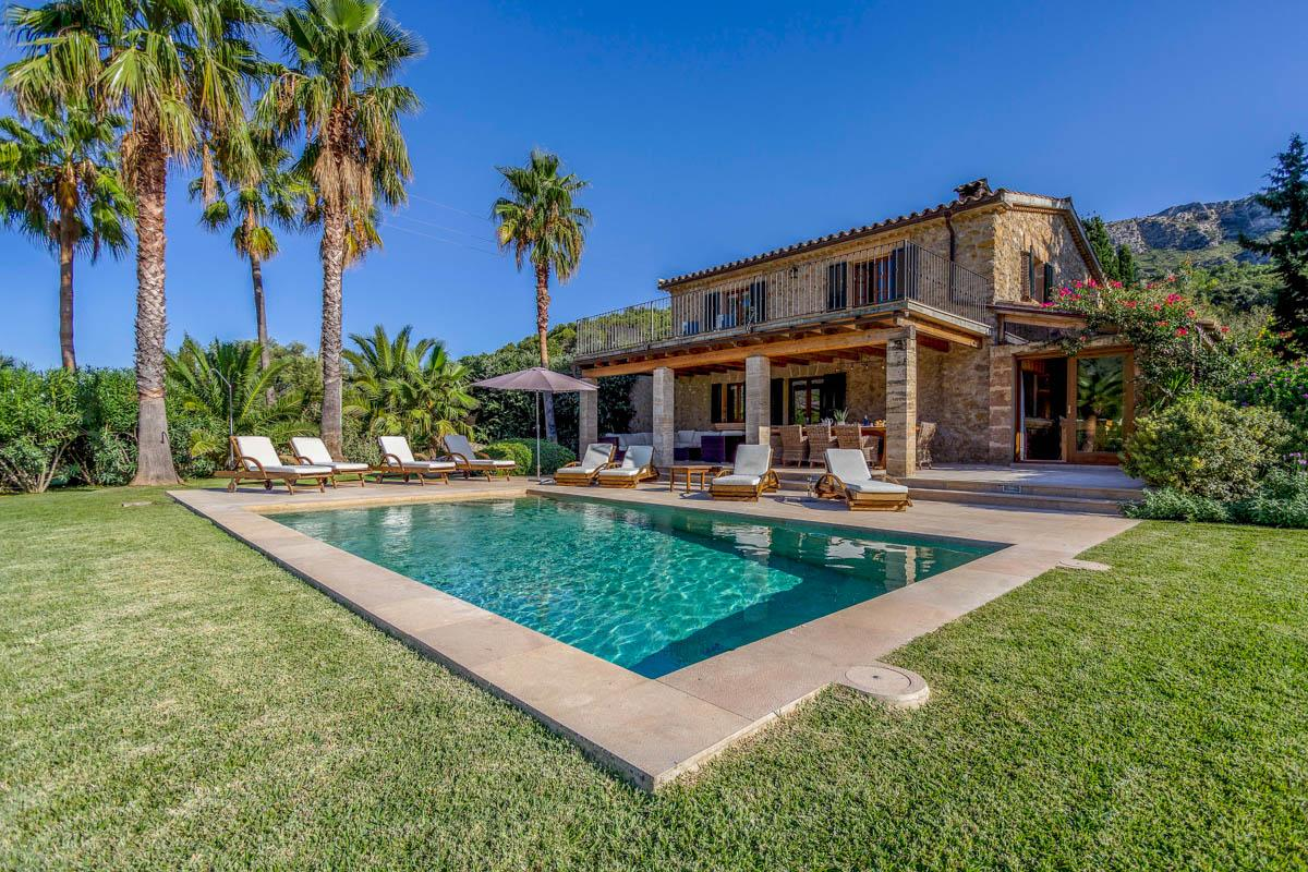 Villa Yedo unique & stylish retreat to rent in Pollensa, Mallorca