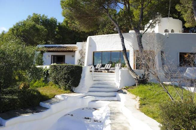 Waterfront beach villa spectacular views in Cala dOr